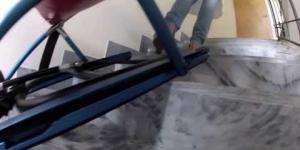 Embedded thumbnail for Эвакуационный лестничный стул (кресло) Самоспас в действии