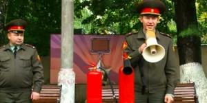Embedded thumbnail for День безопасности в Суворовском училище 2013